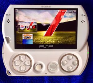 SONY PSP GO PEARL WHITE 16GB HANDHELD GAMING CONSOLE