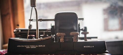 AEG Mignon Modell 4 typewriter