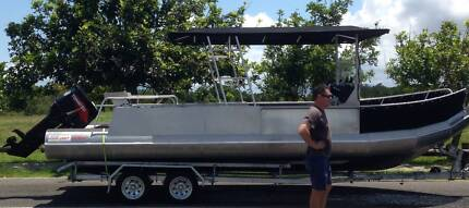 Tohatsu 140 HP outboard - less than 30 hours
