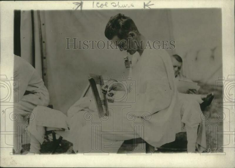 1918 Press Photo Wounded US Soldier at Red Cross Portable Tent Hospital, France