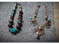 2 vintage knecklaces