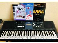Lovely Yamaha PSR E333 keyboard and stand, perfect condition! Great Xmas gift!