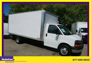 2014 GMC Savana 3500 16 FT  BOX, PULL-OUT RAMP