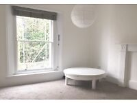 4 mins walk to Archway Station. Refurbished, spacious 2 x double bed apartment / flat. Highgate Hill