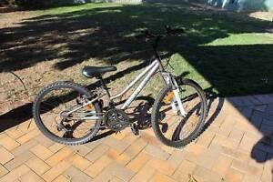 DiamondBack Impression 24 girls bike Dubbo Dubbo Area Preview