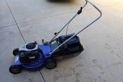 Victa Petrol Super Catcher Lawn Mower East Cannington Canning Area Preview