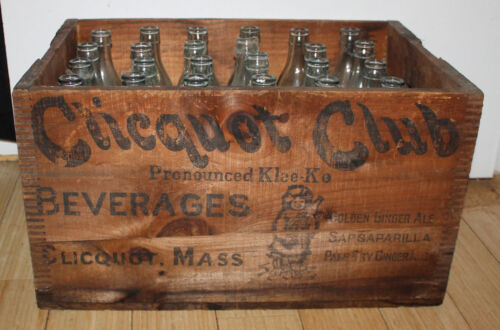 Clicquot Club Klee Klo Ginger Ale Wooden Soda Bottle Crate Box & 24 Bottles