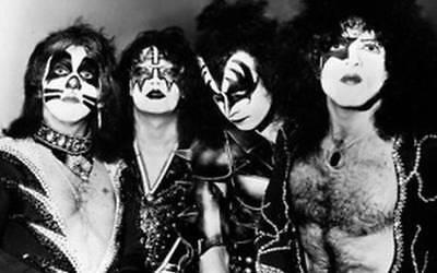 KISS IN CONCERT *2X3 FRIDGE MAGNET* GENE SIMMONS ROCK N ROLL GROUP BAND GUITAR