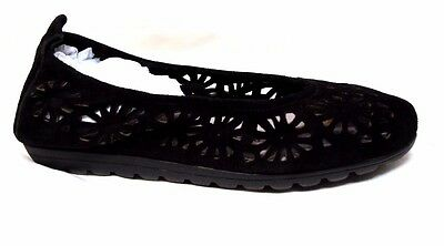 TS shoes TAKING SHAPE sz 7 / 38 Stencils Flower Ballet flats comfy black NIB!