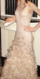 STUNNING PROM DRESS XS / SUPERBE ROBE DE BAL TP