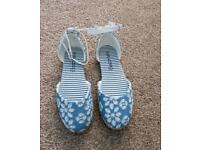 Girls summer shoes size 1 NEW