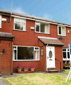 3 bedroom house for rent Lees Oldham new paint & carpets - Cul de Sac