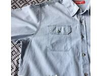 Men's large Wrangler button up shirt