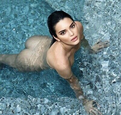 KENDALL JENNER - IN A POOL - BARE BUTT !!