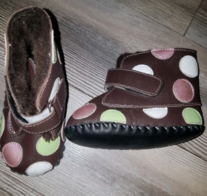 Pediped. Size 12-18 mths. Fur lined! Worn once!!!