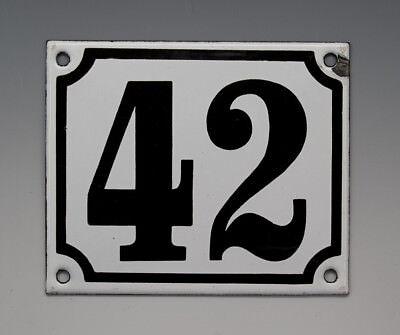 EMAILLE, EMAIL-HAUSNUMMER 42 in SCHWARZ/WEISS um 1960