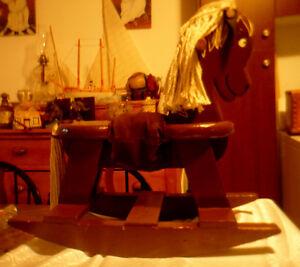 Cheval en bois artisanal