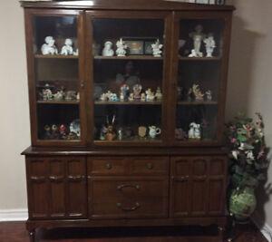 Kitchen Hutch / China Cabinet - Mahogany wood, good condition