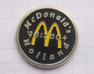 M / HOLLAND ....................Mc DONALD`s -Pin (136i)