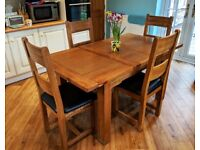 For sale - Traditional Solid Oak Dining Table & 4 Dining Chairs - Excellent Condition