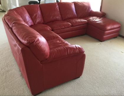 Leather 6 Seat Modular Lounge With Chaise