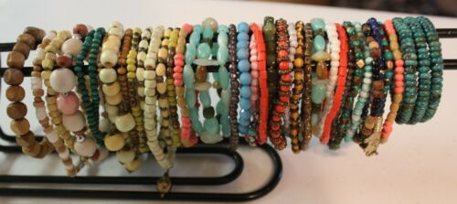 Vintage To Now Mixed Lot of Beaded Bracelets Mixed Materials (B7)