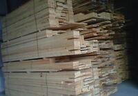 pin blanc sec en planche style bois de grange