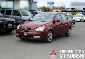 2011 Hyundai Accent GLS! AUTO! SUNROOF! ONLY $42/WK TAX INC. 0 D