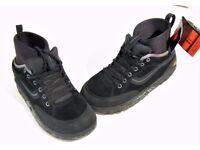 Vans original Motly Snow Skate Shoe, US 10/UK 9, new