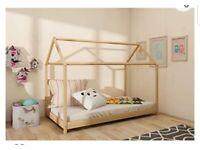 Noa and Nani house floor single bed