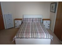 For Rent Large Double Bedroom with Ensuite shared bathroom - Bills Included