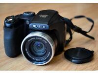 Finepix S 5800 digital camera with case