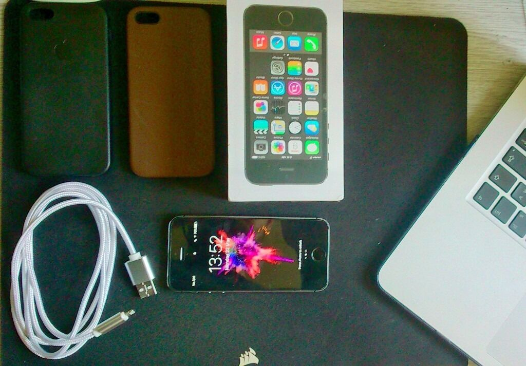 Iphone 5s 16gbDock2x leather casein Brighton, East SussexGumtree - Iphone 5s Battery in good condition ( the usual 1 day) Faded paint around the apple symbol (see picture) Minor scratch on the back Includes Original cable Premium Braided Cable 1.5meters Black and brown leather case Lightning Dock Glass screen...