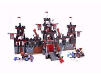 Lego Knights Kingdom Vladek's Dark Fortress with Box set 8877