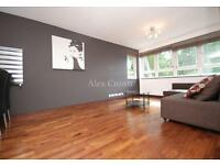 3 bedroom flat in King Henrys Road, Primrose Hill