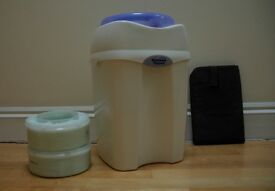 Tommee Tippee Nappy Bin plus 2 Cassettes plus travel changing mat