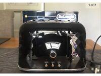 Delonghi Black Brilliante Toaster