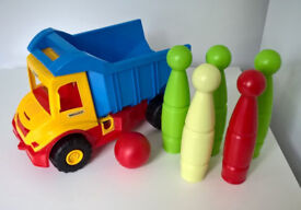 Tipper damp truck tip lorry with bowling pins. NEW