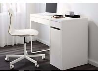 Ikea White MICKE computer, laptop dest with cable management in good condition.