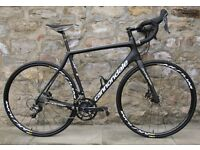 2017 CANNONDALE SYNAPSE CARBON ULTEGRA DISC ROAD RACING BIKE. HYDRAULIC. MINT CONDITION. COST £2800.