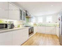 3 bedroom house in Madeley Court, Madeley Road, Ealing, W5