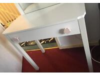 Dressing table girls room mirrored