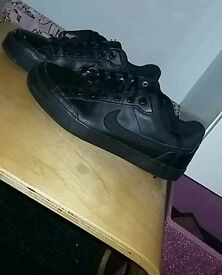 Air force trainers size 4 nike