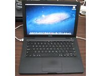 Macbook Black Apple Mac laptop Intel 2.16ghz Core 2 duo with 160gb hard drive