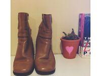 Vintage brown boots