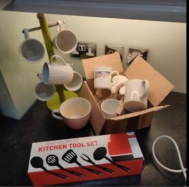 Bowls , toaster, cup holder,