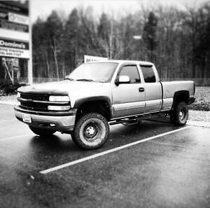2000 Chevrolet Silverado 1500 Lifted Pickup Truck 4x4