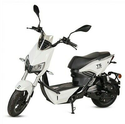Moto scooter electrica matriculable 1500w bateria extraible T5 en color blanco