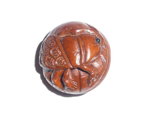 Hand Carved Round Boxwood Cicada Shank Button - Beautiful Cicada Bug Button
