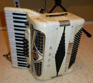 Accordion Ladies Electric ABCO Masteri
